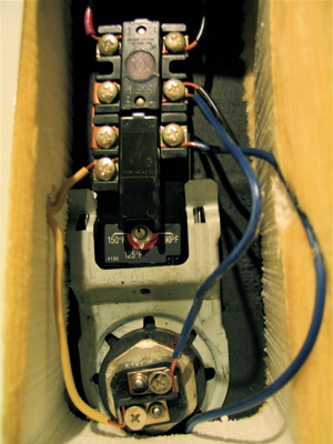 thermostats we took pictures of the wiring once the upper thermostat